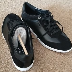 Woman cole haan black leather  suede sneakers